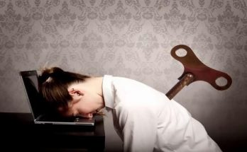 7 Signs That You Sleep Little At Night